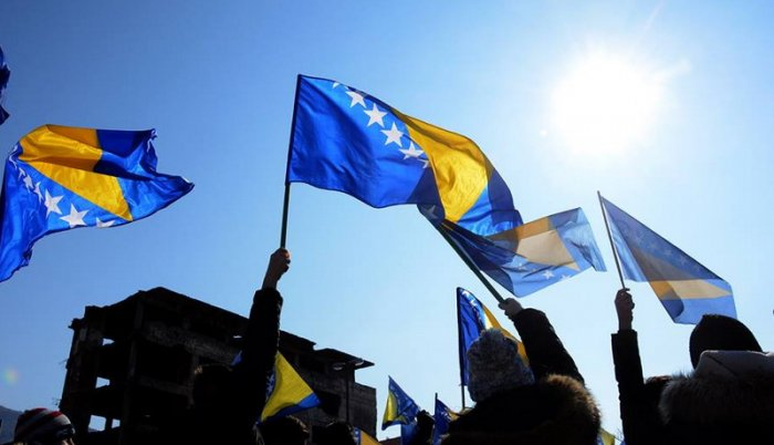 "BOSNA I HERCEGOVINA U ""POLITICI"": Ruski krst, Agrokor i akcize"