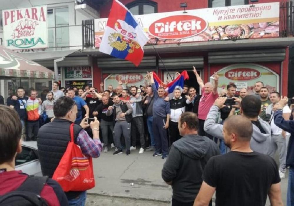 MEDIJSKI LINČ UZ BLAGOSLOV DRŽAVE: Kosovo se brani ispred albanske pekare