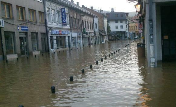 Ne brinite zbog poplava. Rezervni sastav policije je na terenu!