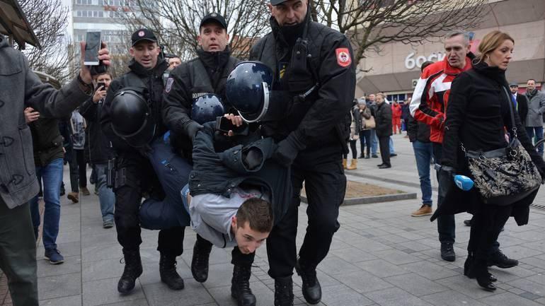 Nikolinin krvavi nos i aktivista bez telefona