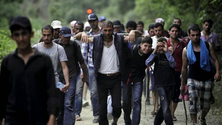 MEDIJI, LAŽNE VIJESTI I PANIKA: Migranti napadaju nevine građane!