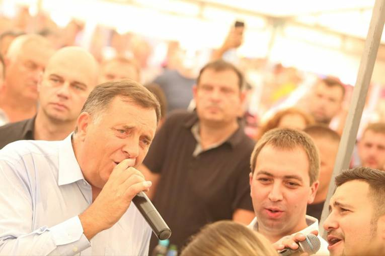 POLITIČARI PJEVAJU HITOVE: Dajte mu mandatara i bez ANP-a, samo da više ne pjeva