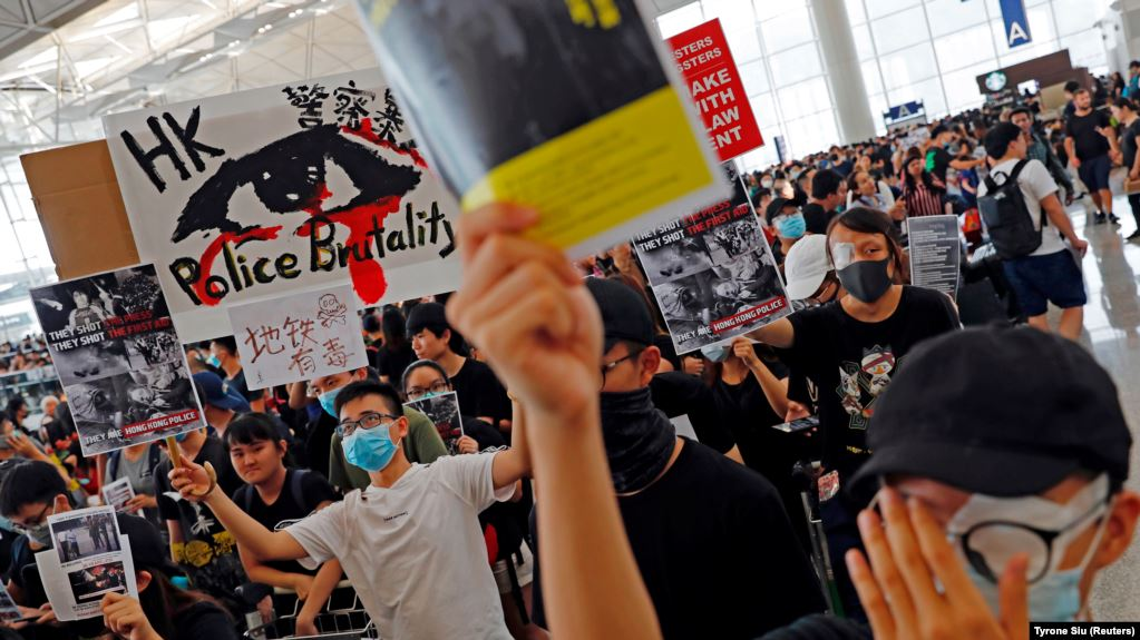 Hong Kong tereti 47 aktivista po novom zakonu o sigurnosti