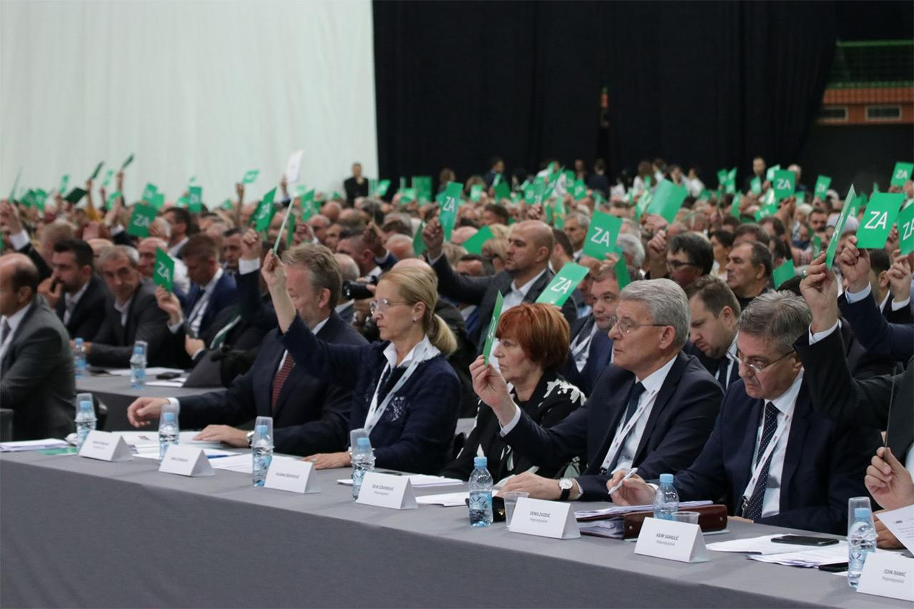 FTV I BHT1: Kongres SDA – smrtno ozbiljni i dosadni