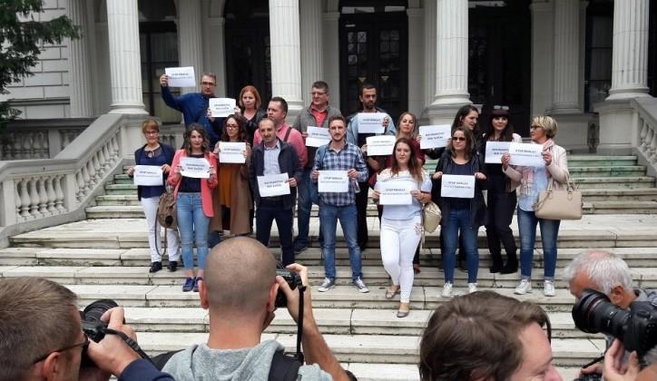 Nakon napada na redakciju portala radiosarajevo.ba: Vinovnici uhapšeni, novinari zakazali proteste