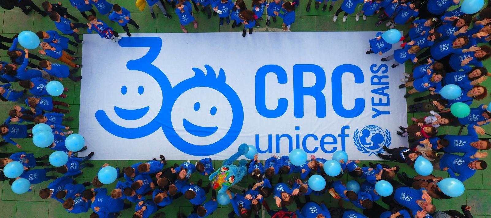 Jedni vežu djecu, drugi odbijaju da ih liječe. Sretan Međunarodni dan djeteta!