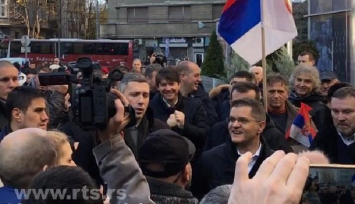 Savez za Srbiju blokirao ulaze u RTS, obećali  da neće biti nasilja