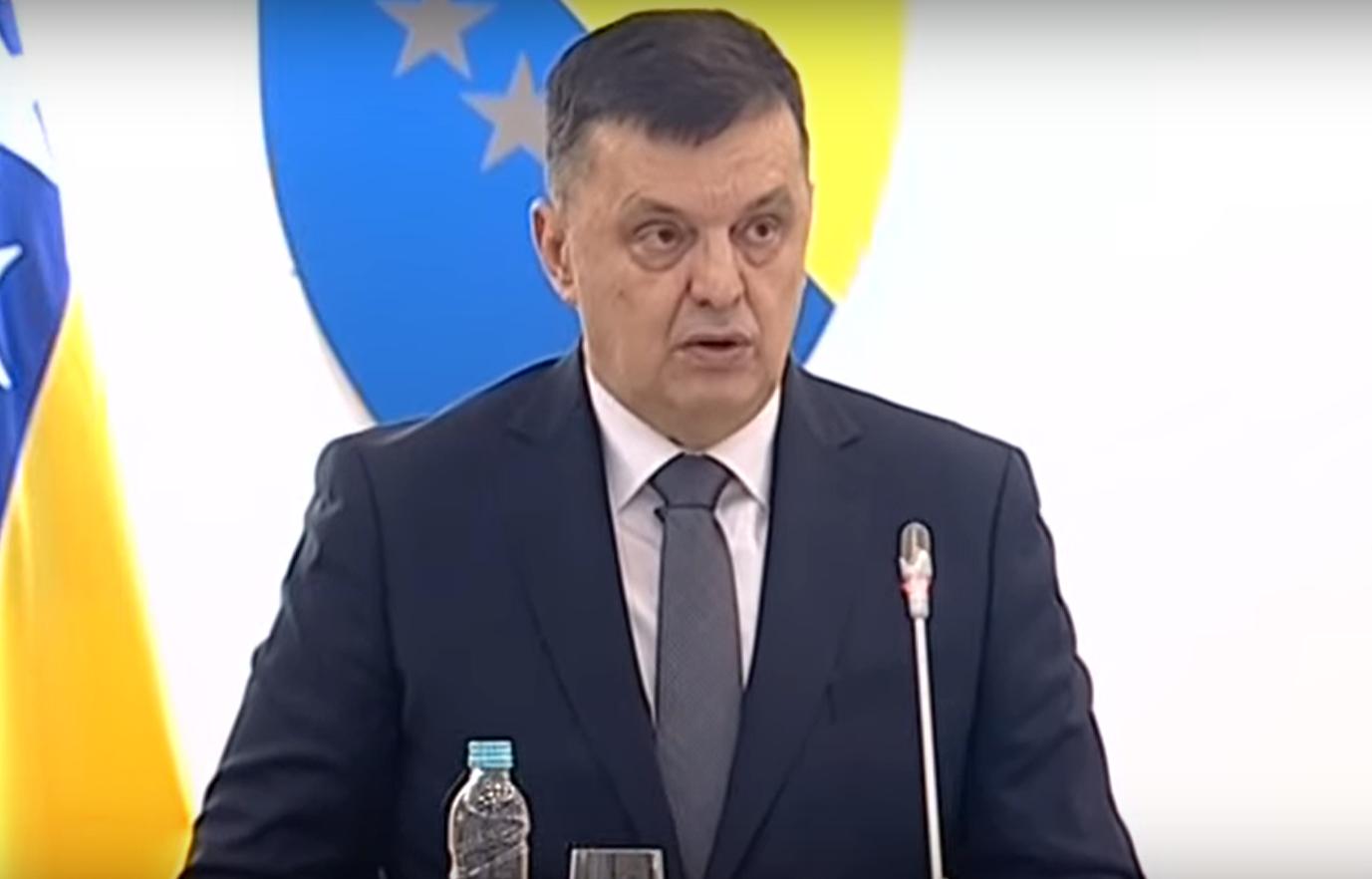 (V)LAŽNE VIJESTI: Nema više bježanja iz BiH, svako ko ode mora platiti 200.000 maraka!