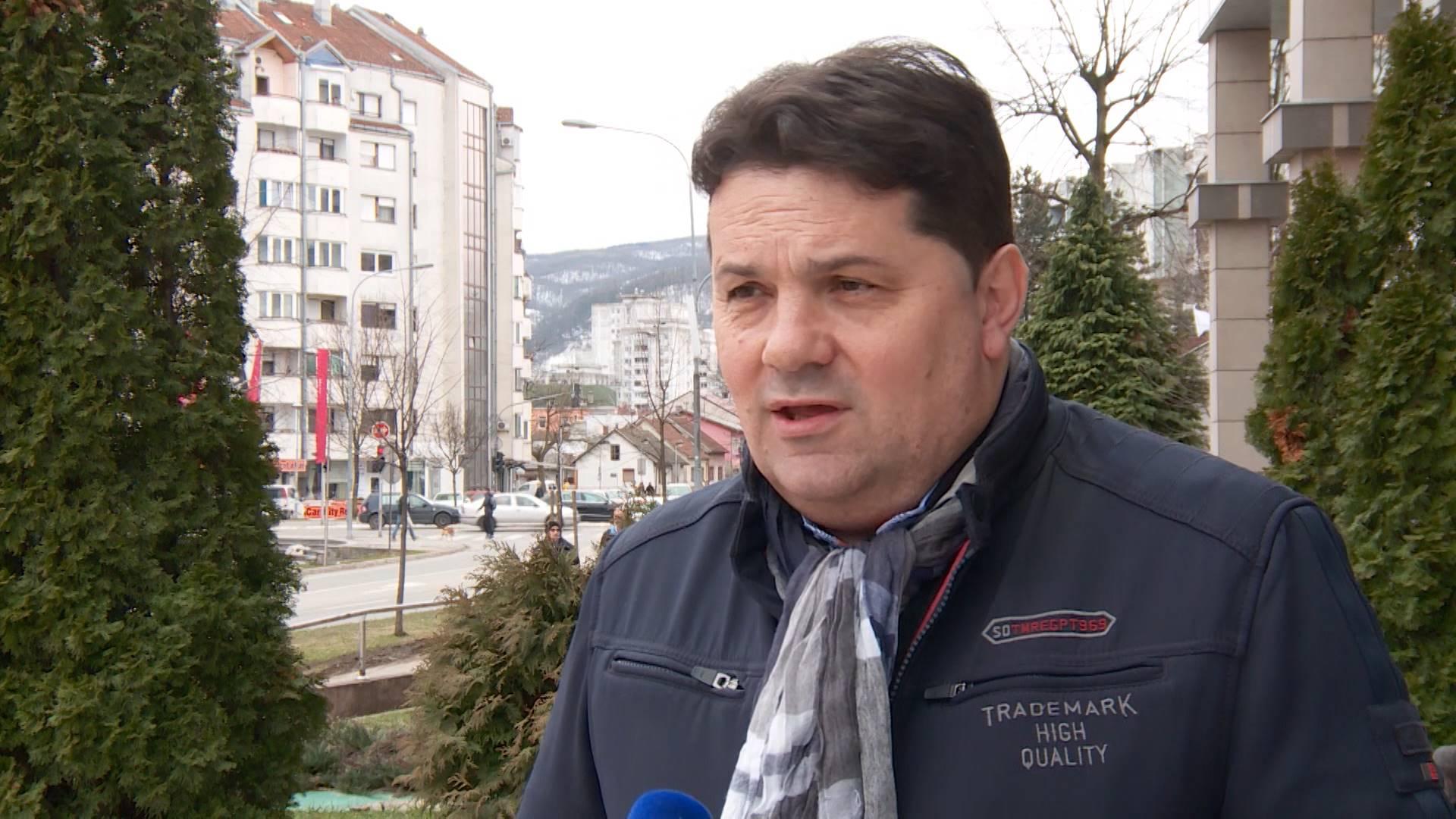 Drsko obraćanje čelnika UKC Banja Luka novinarima