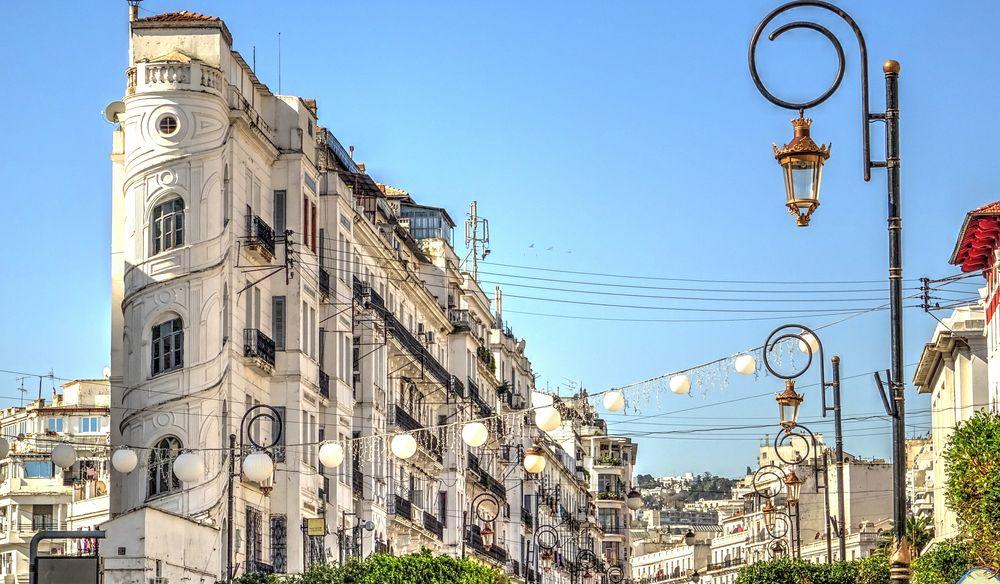Gasi se alžirski satirični web site El Manchar