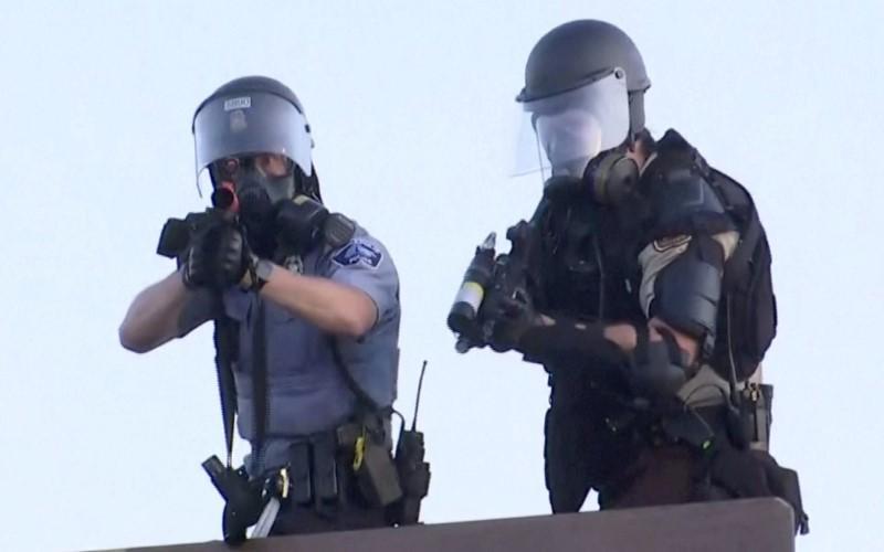 Ekipa Reutersa pogođena gumenim mecima u Minneapolisu
