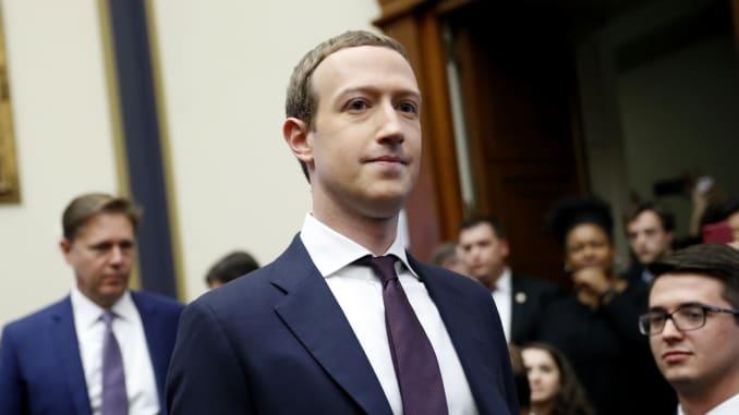 Zuckerberg: Neuklanjanje grupe koja je pozivala na naoružavanje je 'operativna pogreška'