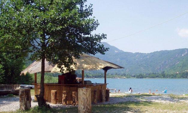 (V)LAŽNE VIJESTI: Bosanski nudisti konačno dobili savez na nivou većeg entiteta, već su uređene i prve plaže