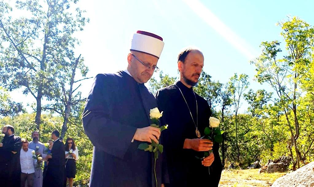 MUFTIJA I EPISKOP U SLUŽBI POMIRENJA: Zajednička molitva za ubijene budi nadu živima