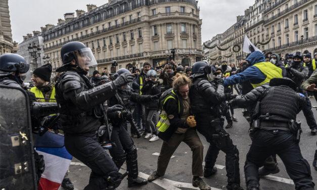Sukob policije i učesnika protesta protiv policijskog nasilja u Parizu