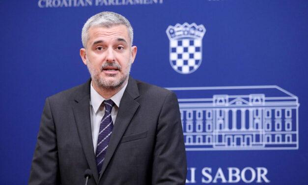 Kakav poremećaj moraš imati u glavi da tražiš blokiranje BiH na putu ka EU, a sam potičeš iz Bosne i Hercegovine?