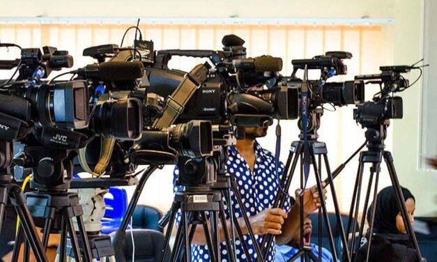 Zaštitni prsluci i maske: Novinari se pripremaju za Dan inauguracije